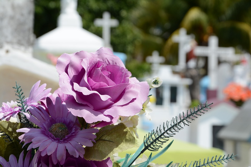 Financially Dealing With The Death Of A Loved One